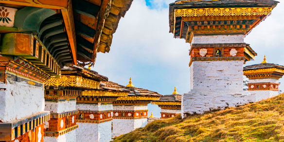 Dochula Pass with 108 chortens (stupas), memorial in honour of the Bhutanese soldiers, Timpu, Bhutan