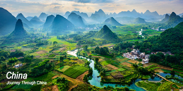 Li River and Karst mountains, Yangshuo County, Guilin City, Guangxi Province, China